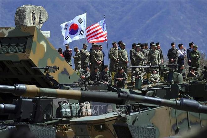 Xe bọc thép Mỹ lật ngửa khi truy đuổi lực lượng Nga, hậu quả thảm khốc - Thế lực bí ẩn nào vừa đưa tên lửa Iskander áp sát Libya? - Ảnh 1.