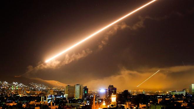Được Su-35 Nga hỗ trợ, tên lửa Syria ra đòn sấm sét vào máy bay Israel: Chuyện lớn xảy ra? - Ảnh 3.