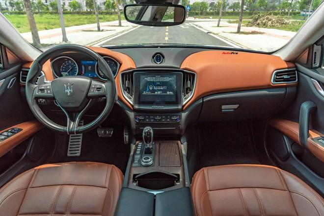 Mới chạy gần 20.000 km, chủ nhân Maserati Ghibli bán lại rẻ hơn xe mới gần 2 tỷ đồng - Ảnh 5.