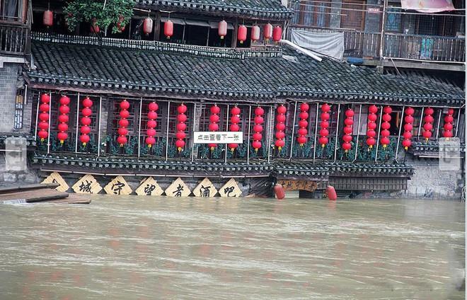 Lũ trên sông dài nhất TQ năm nay có bằng đại hồng thủy từng khiến hơn 4.000 người chết? - Ảnh 3.