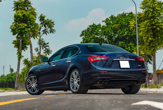 Mới chạy gần 20.000 km, chủ nhân Maserati Ghibli bán lại rẻ hơn xe mới gần 2 tỷ đồng - Ảnh 2.