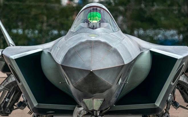 Tiêm kích tàng hình J-20 biến thể mới của Trung Quốc có gì đặc biệt?