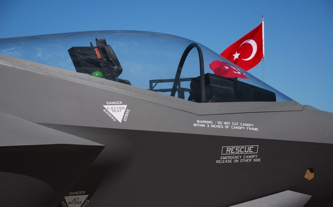 Nghe tưởng đùa: Không quân Mỹ phải mua tiêm kích F-35 từ Thổ Nhĩ Kỳ