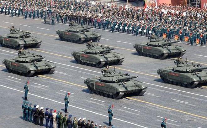 """Giá dầu giảm, Nga phải cắt nguồn chi """"khủng"""" cho quân đội"""