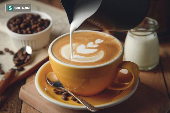 Hễ không uống cà phê là buồn ngủ, FDA: Uống quá nhiều caffeine có thể gây tử vong - Ảnh 2.