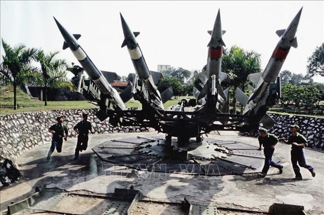 Bộ đội Tên lửa tiến thẳng lên hiện đại - Ảnh 1.