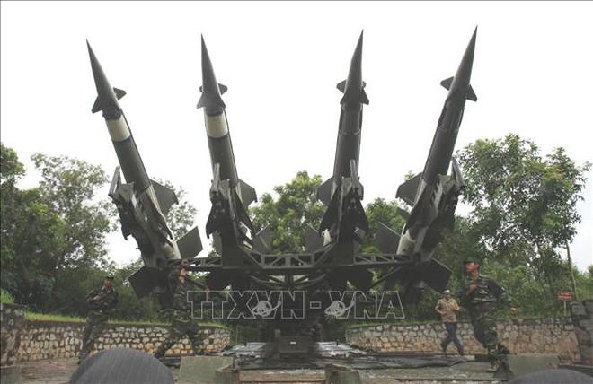 Bộ đội Tên lửa tiến thẳng lên hiện đại - Ảnh 2.