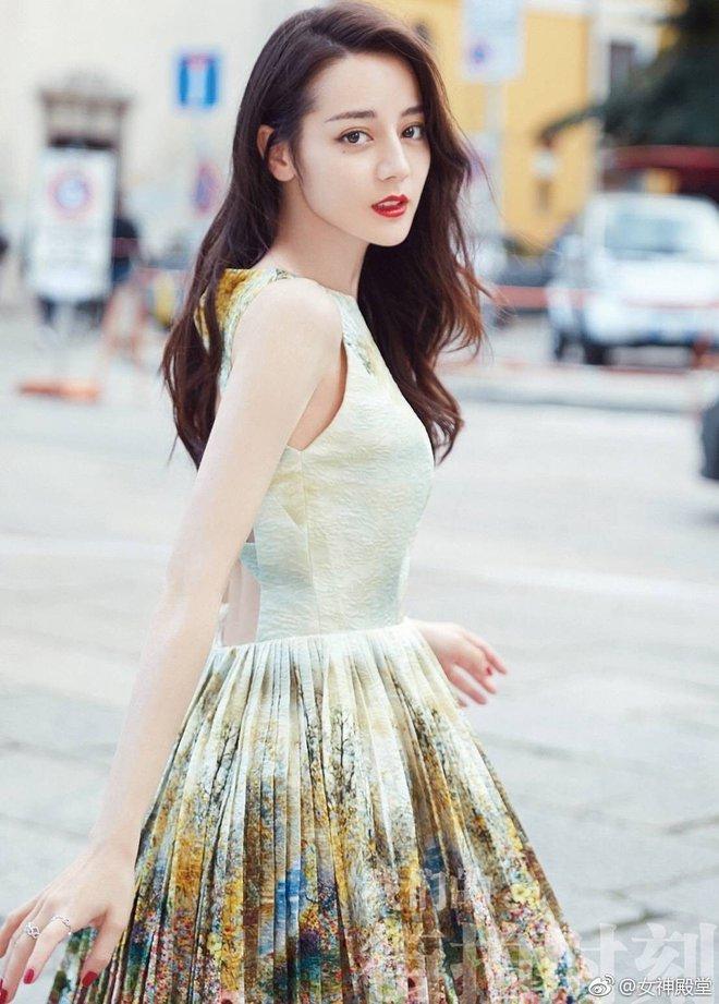 Đọ sắc vóc dàn mỹ nhân Tân Cương đình đám nhất màn ảnh xứ Trung - Ảnh 2.