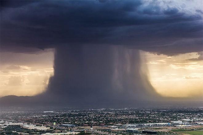 Trăm nghìn tấn nước bốc hơi, tạo thành hiện tượng sông trời gây mưa lũ lịch sử ở Trung Quốc - Ảnh 3.