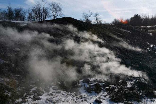 Thị trấn ma quái âm ỉ cháy suốt hơn nửa thế kỷ - Ảnh 6.