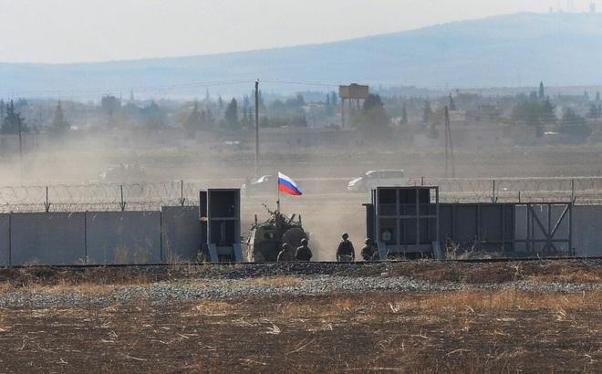 """Chuyên gia Mỹ: Nga đừng có """"cà khịa"""", hãy dừng ngay hoạt động quấy nhiễu QĐ Mỹ ở Syria!"""