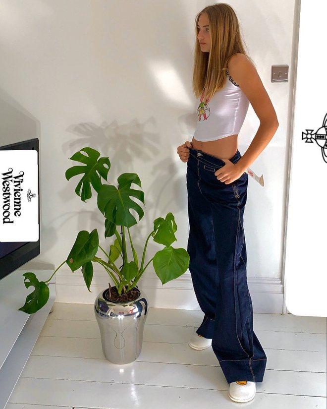 Bạn gái con trai David Beckham: Vừa tròn 18 tuổi, vẻ ngoài nóng bỏng cuốn hút - Ảnh 9.