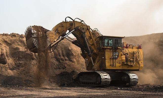 Sức làm việc siêu khủng của Cat 6090 - cỗ máy xúc lớn nhất thế giới - Ảnh 1.