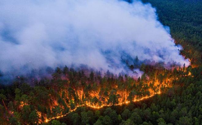 Nghịch lý không tưởng: Nơi từng lạnh -71 độ C cháy rừng liên miên suốt 6 tháng nay!