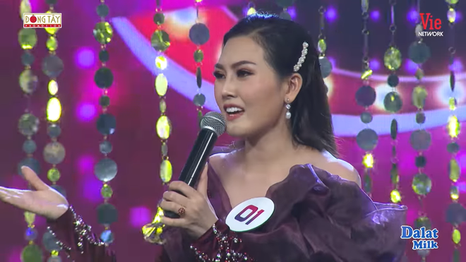 Lòng tốt của vợ chồng Việt Hương: Giúp đỡ ca sĩ không quen biết ở nơi đất khách quê người - Ảnh 1.