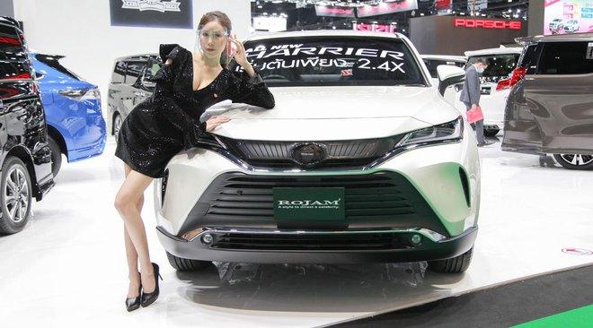 Ô tô Toyota cháy hàng vì lượng mua gấp 15 lần dự tính có giá bao nhiêu? - Ảnh 1.