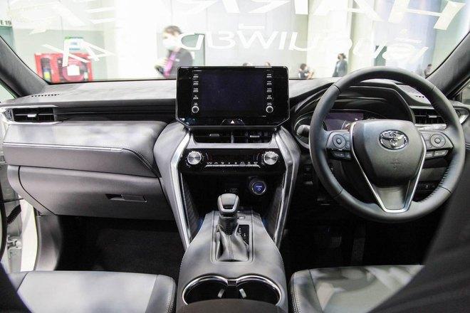 Ô tô Toyota cháy hàng vì lượng mua gấp 15 lần dự tính có giá bao nhiêu? - Ảnh 4.