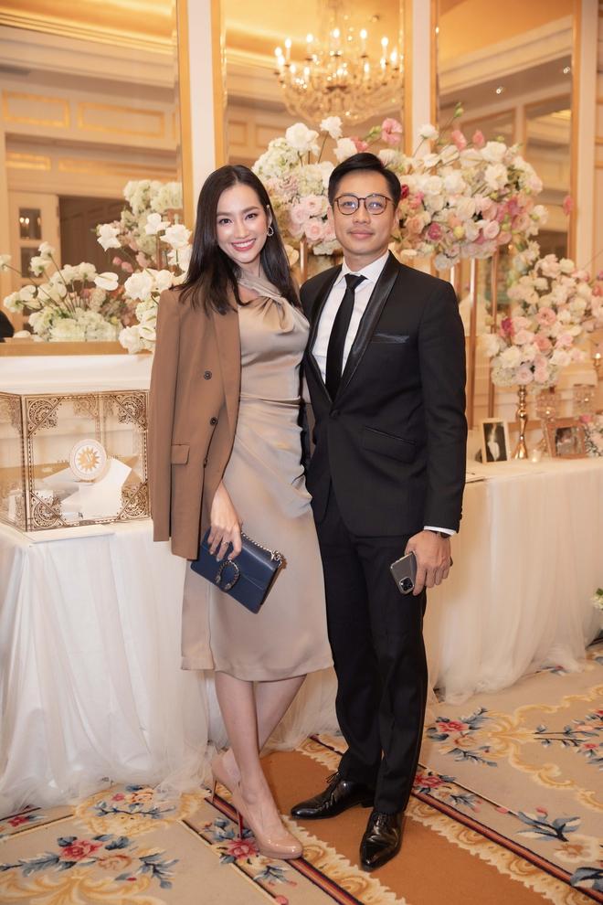 Trương Ngọc Ánh xinh đẹp bên bạn trai tin đồn tại đám cưới á hậu Thúy Vân - Ảnh 10.