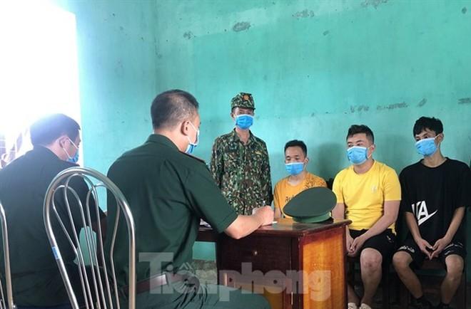 Bắt đối tượng đưa nhóm người Trung Quốc nhập cảnh trái phép - Ảnh 1.