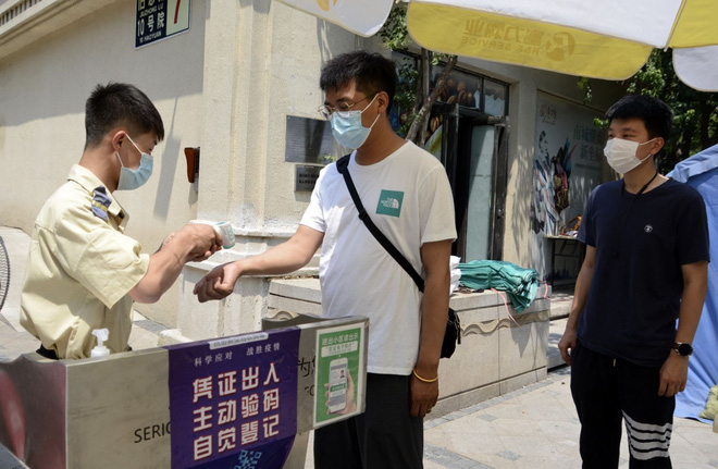 COVID-19 tới 6 giờ sáng 25/7: Thế giới gần 16 triệu ca mắc dịch bệnh, Mỹ tiếp tục lập kỷ lục mới - Ảnh 7.