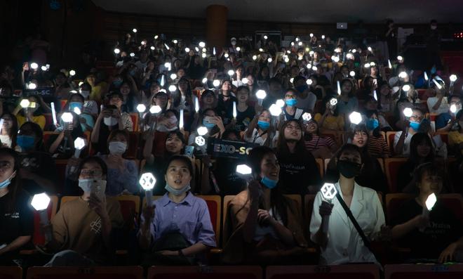 Fan Việt hò hét không ngừng khi EXO-SC nhắc lại kỷ niệm tới Việt Nam - Ảnh 2.
