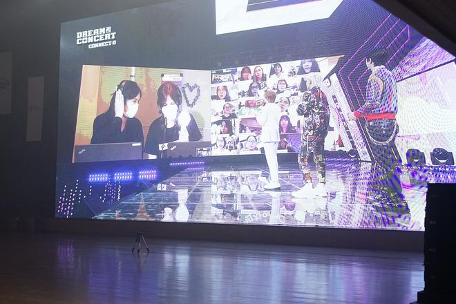 Fan Việt hò hét không ngừng khi EXO-SC nhắc lại kỷ niệm tới Việt Nam - Ảnh 4.