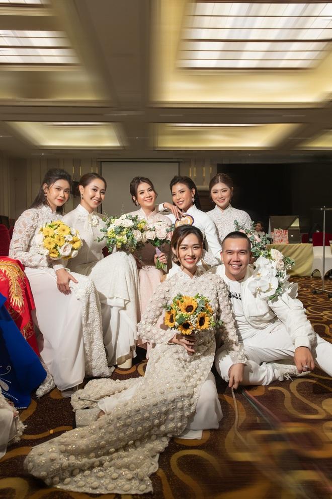 Ảnh hậu trường show Dạm ngõ đẹp như chụp lookbook của Trương Quỳnh Anh, Diệp Bảo Ngọc - Ảnh 2.