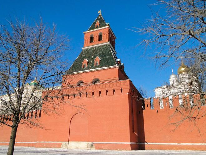 Khám phá bí ẩn lòng đất bên dưới Điện Kremlin - Ảnh 3.