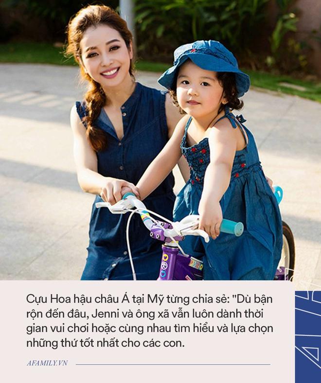 Con gái lớn của Jennifer Phạm: Mới 7 tuổi đã khiến truyền thông náo loạn vì quá xinh, lúc nào cũng được mẹ dạy cẩn thận như này - Ảnh 3.