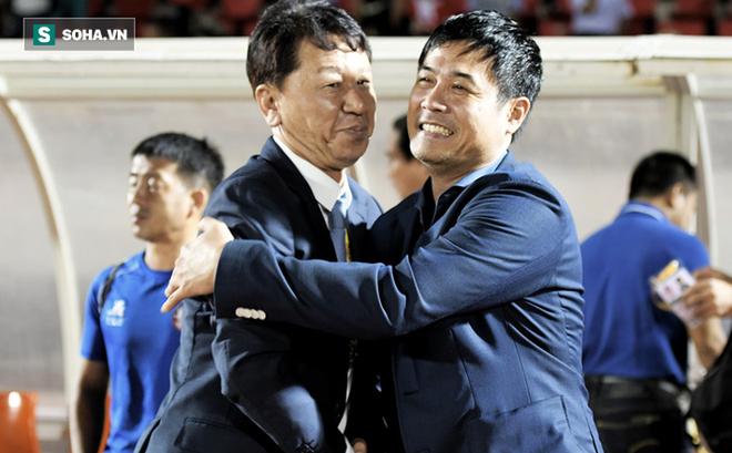 """Chủ tịch Hữu Thắng: """"Tôi giúp HLV Chung vô điều kiện, sao ông ấy lại lên báo Hàn nói thế?"""""""