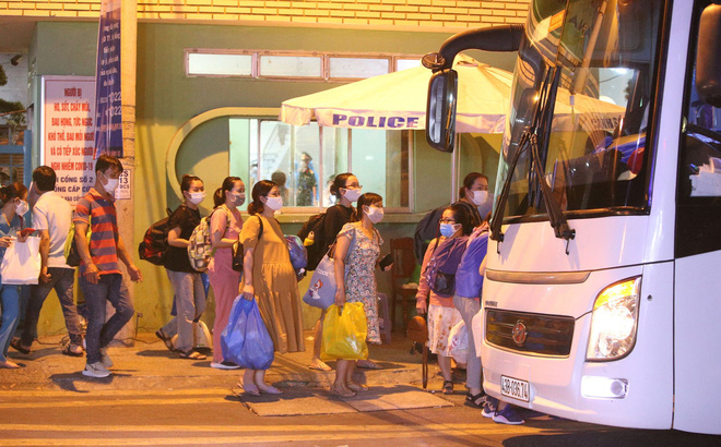 30 người bỏ đi khỏi bệnh viện Đà Nẵng trước giờ cách ly, phong toả vì Covid-19