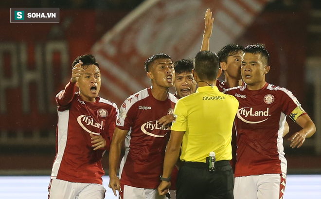 """Chuyên gia Vũ Mạnh Hải: """"Đừng chỉ trách trọng tài khi bóng đá Việt có quá nhiều vấn đề"""""""
