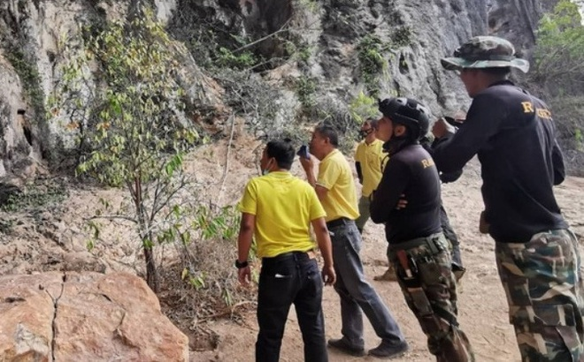 """Phát hiện kho """"bảo vật"""" vô giá 3.000 năm tuổi trong hang động ở Thái Lan"""