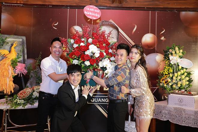 Quang Hà chi hơn 100 triệu đồng tổ chức sinh nhật cho ông bầu Quang Cường - Ảnh 9.