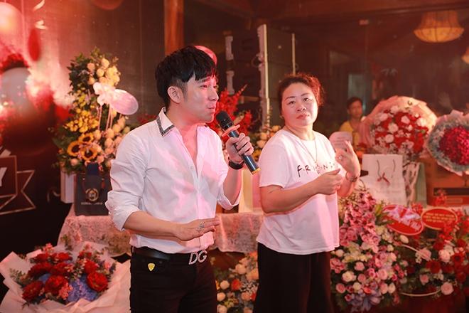 Quang Hà chi hơn 100 triệu đồng tổ chức sinh nhật cho ông bầu Quang Cường - Ảnh 2.