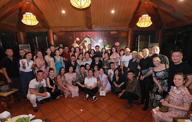 Quang Hà chi hơn 100 triệu đồng tổ chức sinh nhật cho ông bầu Quang Cường - Ảnh 10.