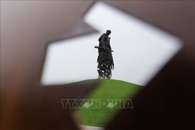 Bản anh hùng ca của tượng đài tưởng niệm người lính Xô Viết tại Rzhev - Ảnh 1.