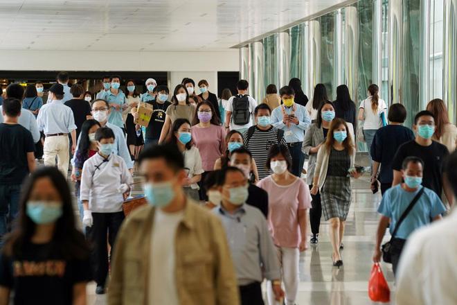 Reuters: Châu Á đang đứng trước nguy cơ đối mặt với làn sóng Covid-19 thứ hai - Ảnh 2.