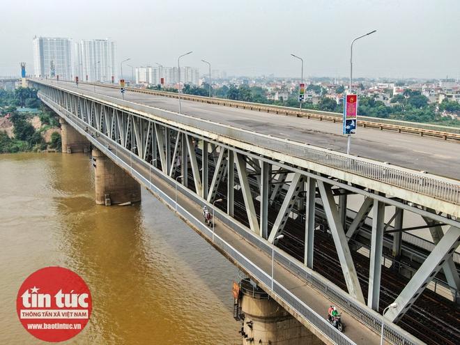 Cầu Thăng Long trong ngày đầu cấm lưu thông - Ảnh 3.