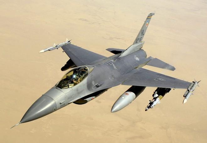 Kịch bản xung đột ở Libya: Ai Cập liên thủ trên không với Nga-UAE, Thổ Nhĩ Kỳ toát mồ hôi chống đỡ? - Ảnh 1.