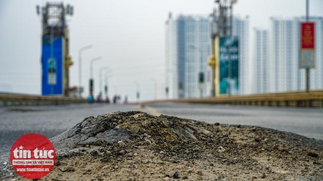 Cầu Thăng Long trong ngày đầu cấm lưu thông - Ảnh 4.