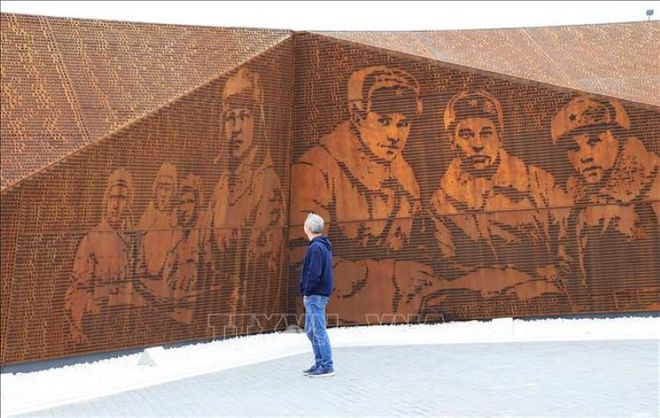 Bản anh hùng ca của tượng đài tưởng niệm người lính Xô Viết tại Rzhev - Ảnh 3.
