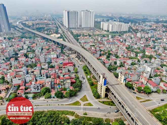 Cầu Thăng Long trong ngày đầu cấm lưu thông - Ảnh 8.