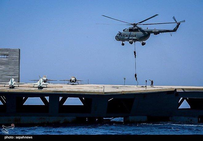 Dùng cả vệ tinh để đánh tàu sân bay, Iran một lần nữa khiến Mỹ choáng váng! - Ảnh 2.