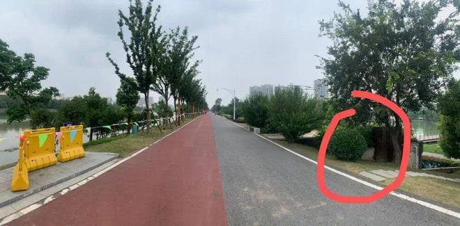 Trung Quốc: Nước dâng nguy cấp, bất ngờ phát hiện đê sông nhánh Trường Giang bị moi rỗng ruột - Ảnh 3.