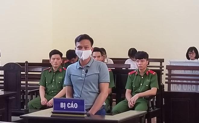 Trốn truy nã 28 năm vì trộm dầu, cựu Chánh Văn phòng Tòa án huyện ở Hòa Bình lĩnh 30 tháng tù treo