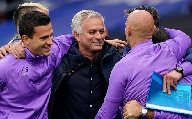 Kịch bản hy hữu: Lọt top 6, Tottenham vẫn mất vé dự Europa League