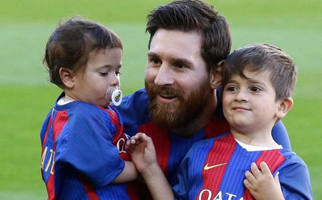 "Xứ Catalan ""ăn theo""… Messi"