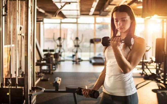 Nên ăn gì trước khi tập gym buổi sáng? - Ảnh 2.