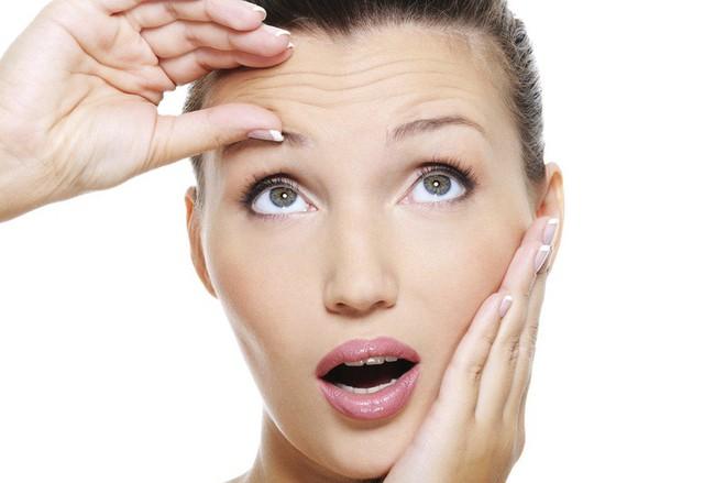 10 lời khuyên hữu ích giúp giảm nếp nhăn trên da mặt - Ảnh 1.